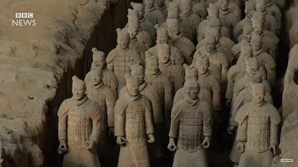| צבא הטרקוטה | תצלום מסך מסרטון יוטיוב של ה-BBC | חן סיון | יהלומים | Chen Sivan Diamonds |