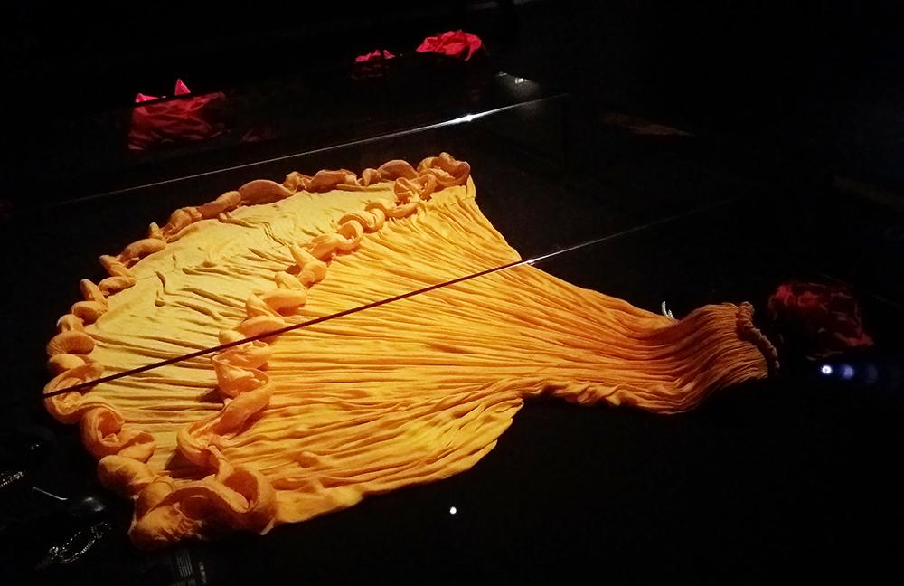 | שמלת השמש של אלבר אלבז | חן סיון | יהלומים | Chen Sivan Diamonds |